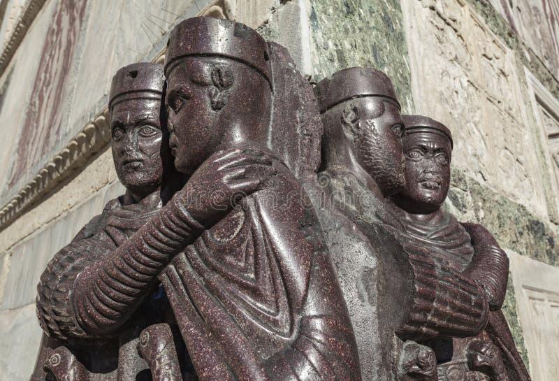 Standbeelden van roman heersers stock foto