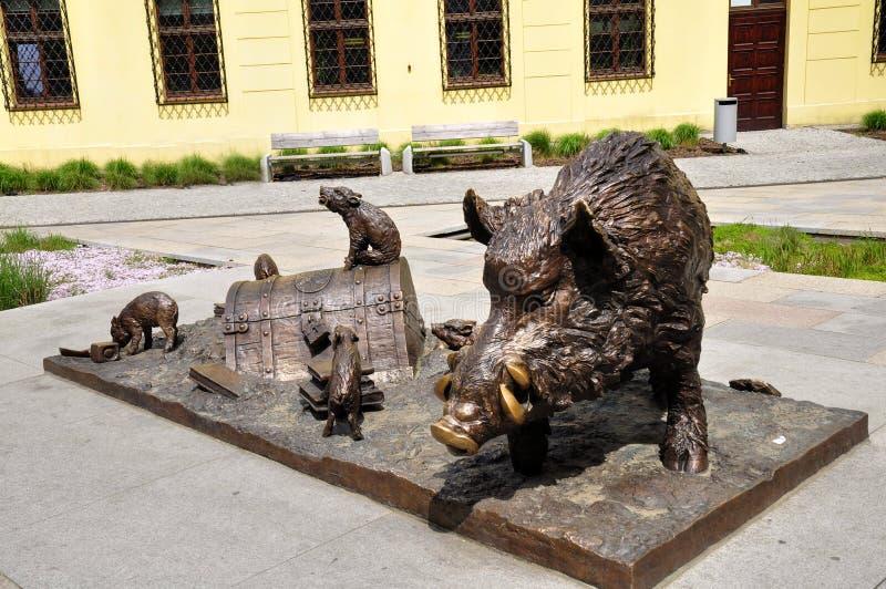Standbeelden van wilde varkens stock afbeeldingen