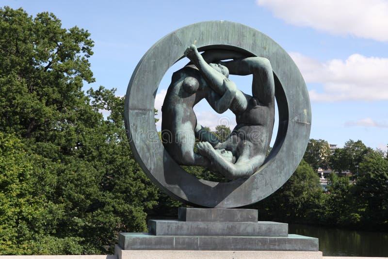 Standbeelden in Vigeland-park in Oslo, Noorwegen royalty-vrije stock afbeeldingen