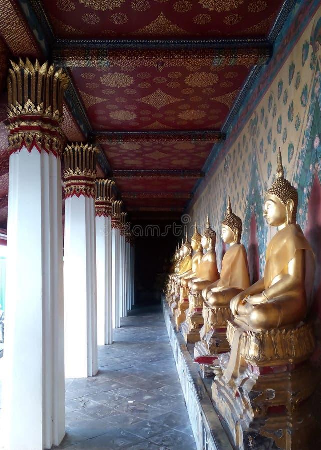 Standbeelden in Wat Arun royalty-vrije stock foto