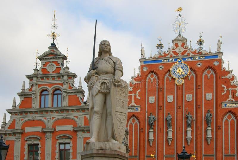 Standbeeldridder in Riga stock foto's