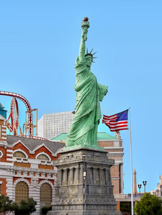 Standbeeldvrijheid, de Vlag van de V.S., het Hotelcasino van New York, Las Vegas royalty-vrije stock foto