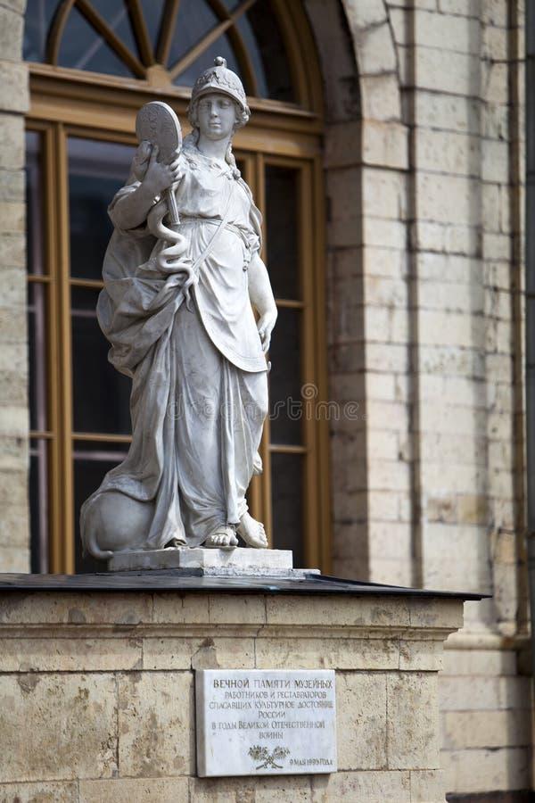 Standbeeldwijsheid (Rechtvaardigheid), Paleis en park complexe Gatchina, St. Petersburg, Rusland, XVIII eeuw stock foto's