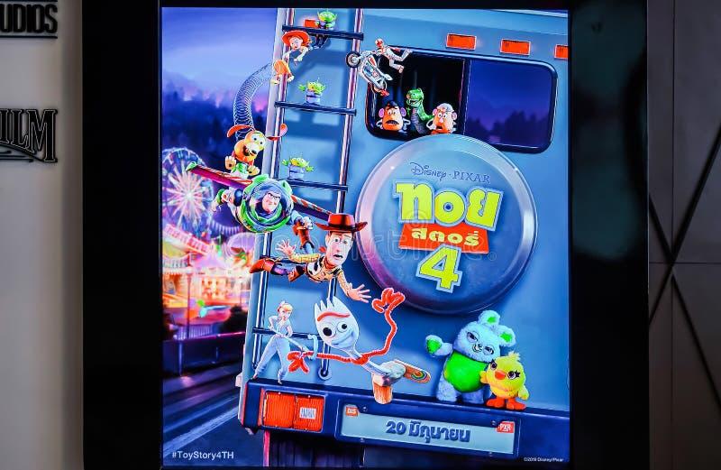 Standee рассказа 4 игрушки фильма и дисплеев на кино, рекламе кино выдвиженческой стоковые фотографии rf