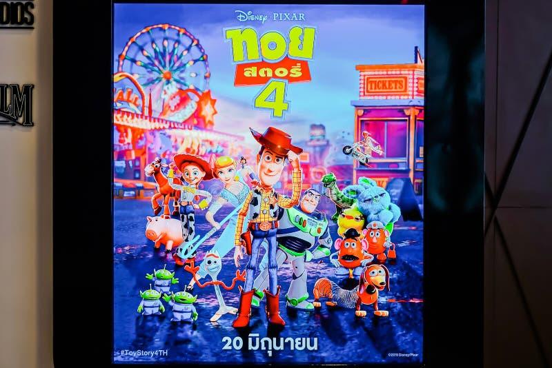 Standee рассказа 4 игрушки фильма и дисплеев на кино, рекламе кино выдвиженческой стоковое изображение