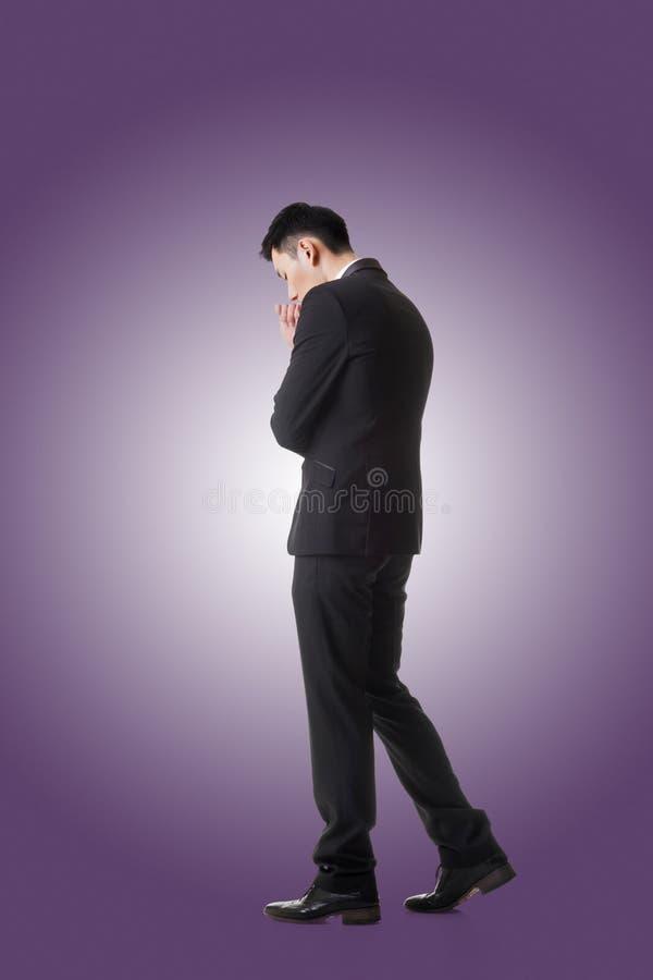 Download Standing för affärsman arkivfoto. Bild av dräkt, problem - 76701006