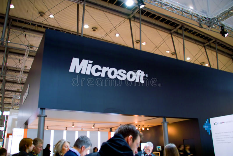 Standplatz des Microsofts in der CEBIT-Computerausstellung stockfotos
