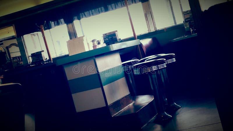 Stange im Weinlese-Amerikaner-Restaurant lizenzfreie stockfotografie