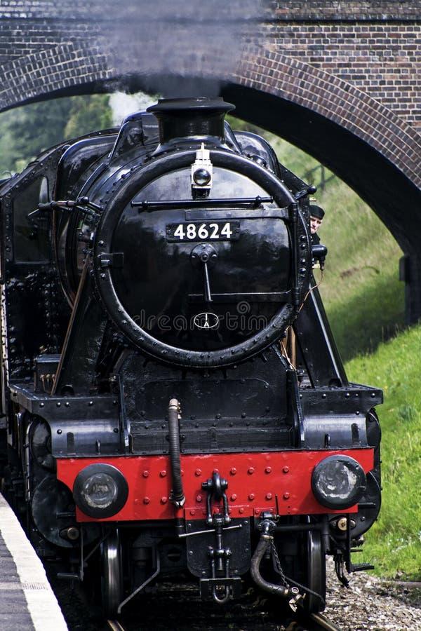 Stanier 8F 2-8-0 fraktlokomotiv 48624 i svart livré arkivbild