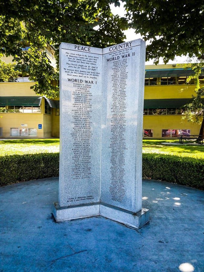 Stanislaus Country Modesto Memorial Monument royaltyfria foton
