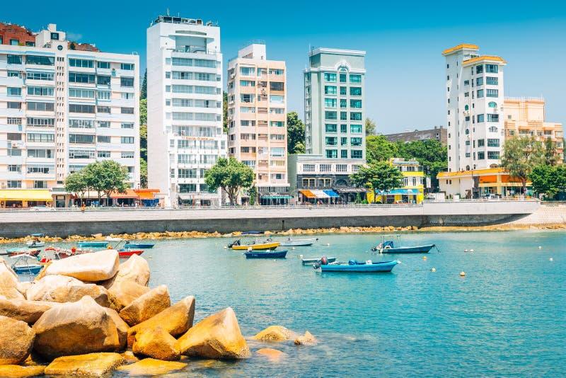Stanley Bay hav och moderna byggnader i Hong Kong arkivbild