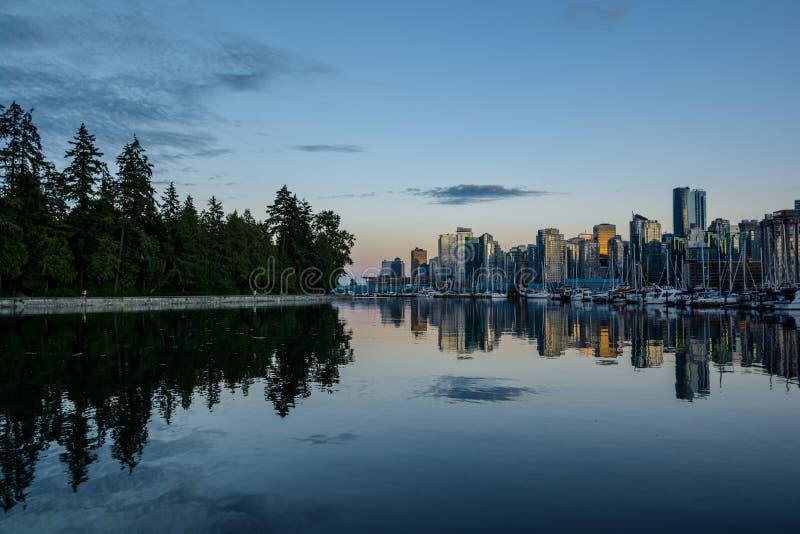 Stanley Park in de avond, Mooie mening van Vancouver royalty-vrije stock foto
