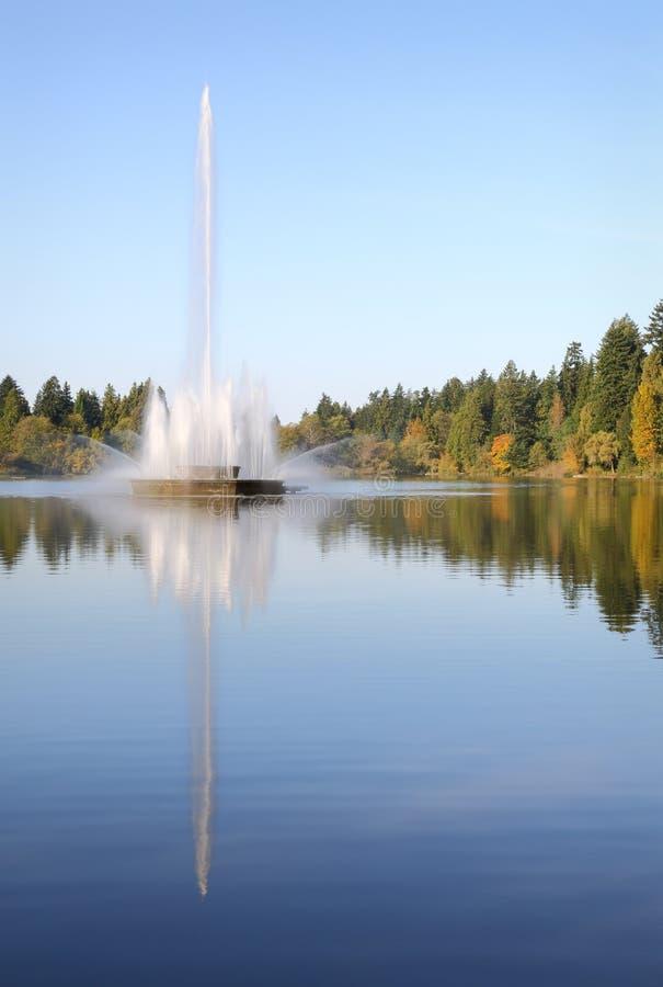 Stanley Park, fonte perdida da lagoa, vertical de Vancôver fotos de stock royalty free