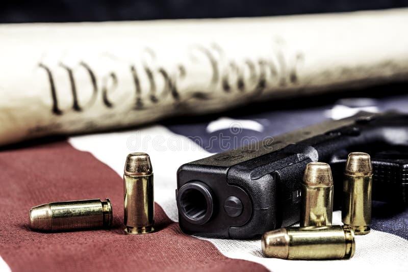 Stany Zjednoczone pistoletu i konstytuci dobra fotografia royalty free