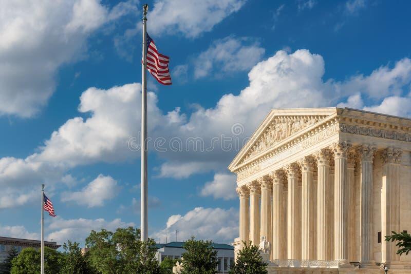 Stany Zjednoczone sądu najwyższy budynek przy letnim dniem w washington dc, usa zdjęcie stock
