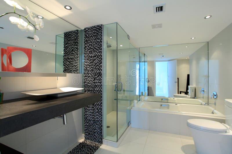 Stanza da bagno contemporanea immagine stock immagine di vetro vasca 14873655 - Stanza da pranzo contemporanea ...