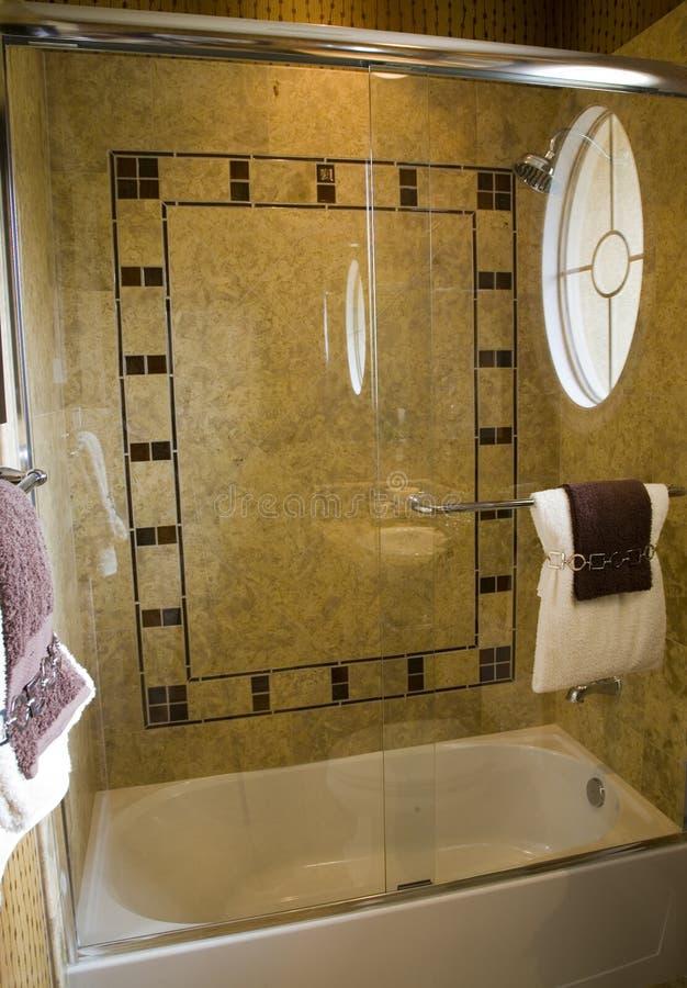 Stanza da bagno domestica di lusso. fotografia stock