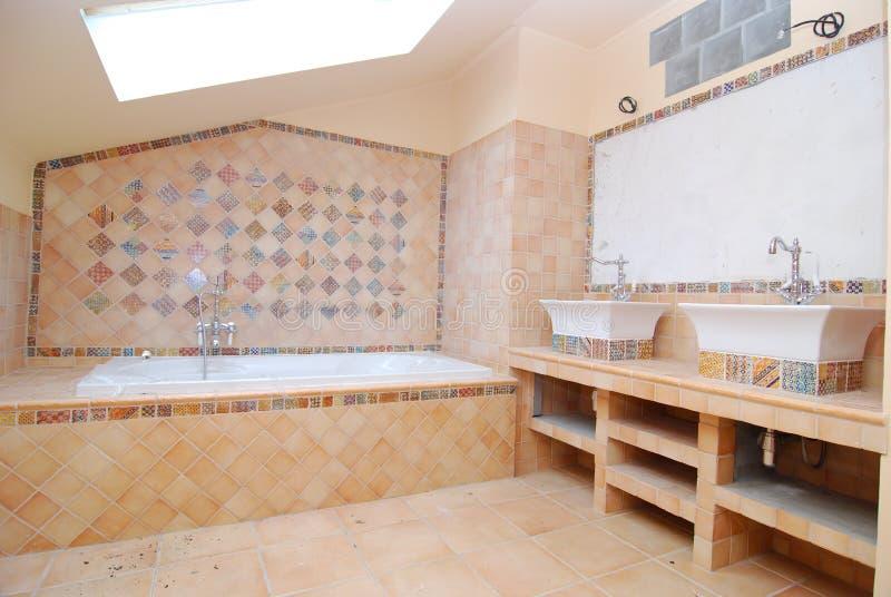 stanza da bagno Metà-costruita immagine stock libera da diritti