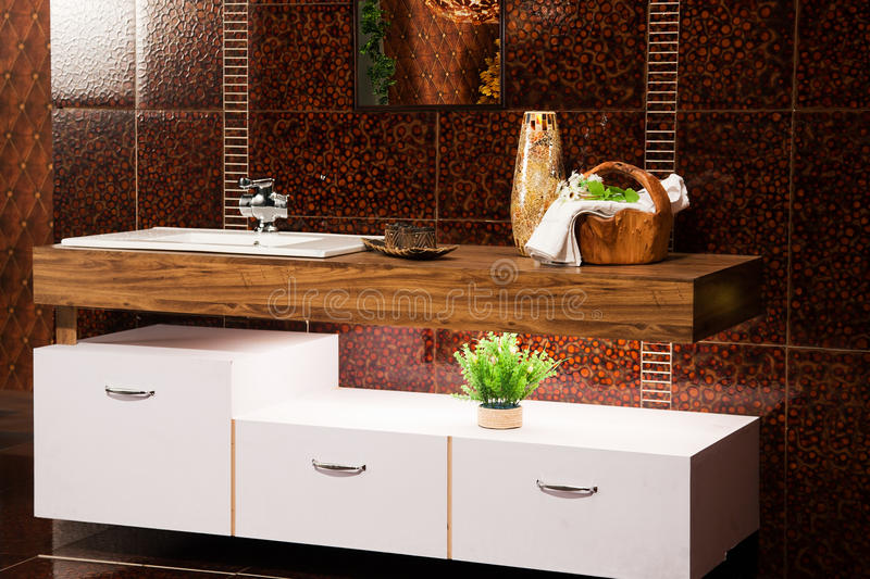 Stanza da bagno moderna fotografia stock immagine di Ideen ordnung bad