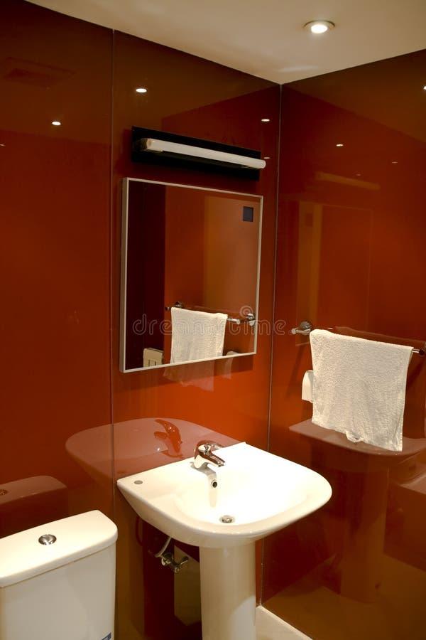 Stanza da bagno moderna fotografia stock immagine di lusso 7107406 - Stanza da pranzo moderna ...