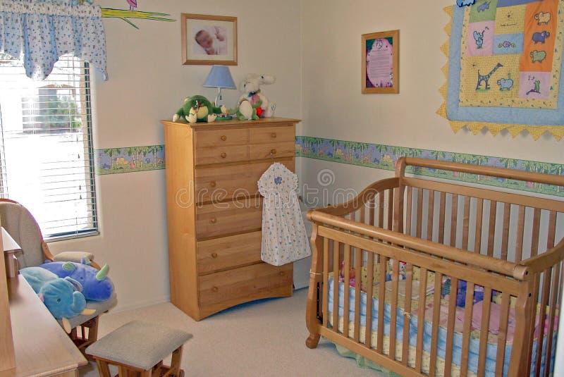 Stanza del bambino della camera da letto immagine stock for Camera da letto del soffitto della cattedrale