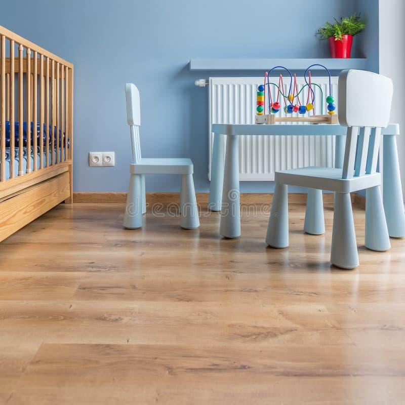 Stanza del ` s del bambino in blu fotografia stock