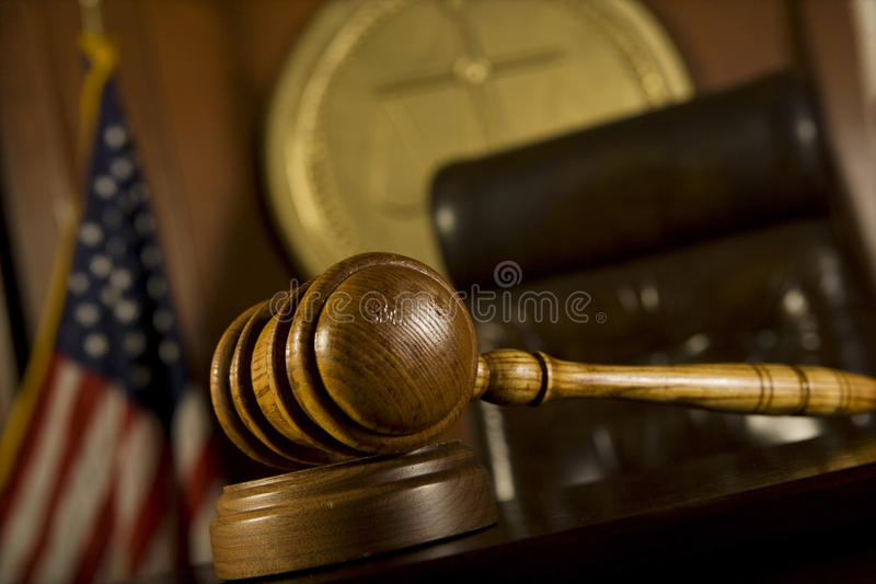Stanza di Gavel in tribunale fotografia stock