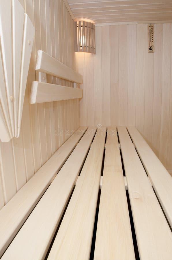 Stanza di vapore o sauna di legno immagini stock