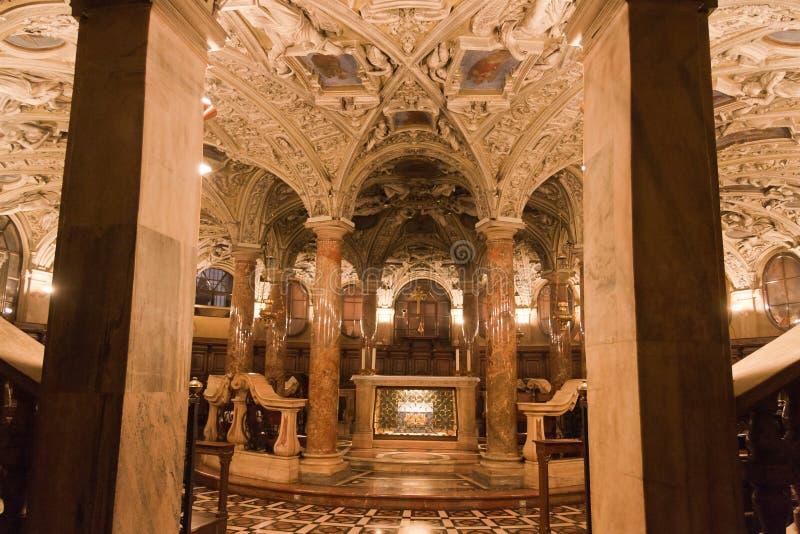 Stanza dorata della cattedrale di Milano fotografia stock