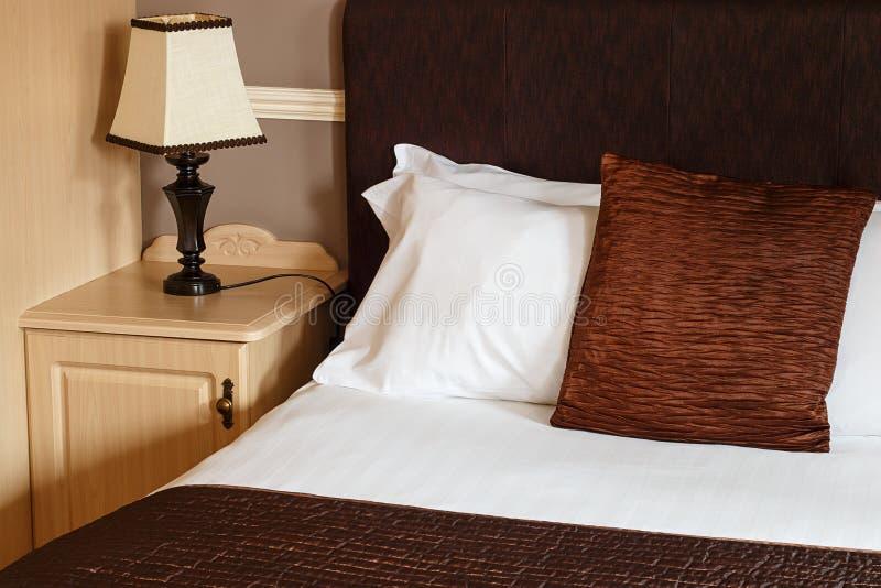 Stanza generica di bed and breakfast fotografie stock