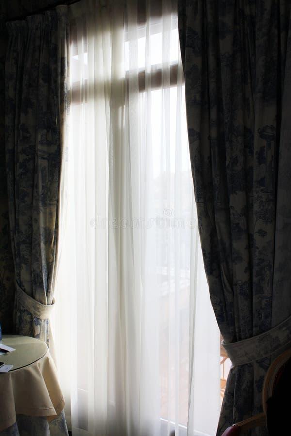Stanza in hotel nel vecchio stile veneziano Architettura veneziana immagini stock libere da diritti