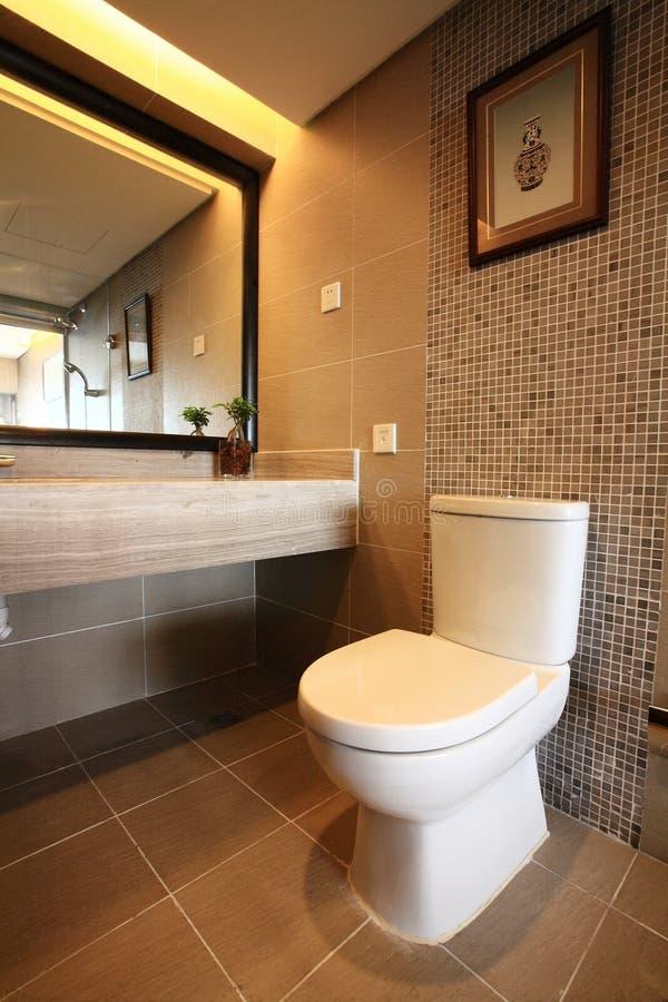 Stanza moderna del bagno immagini stock