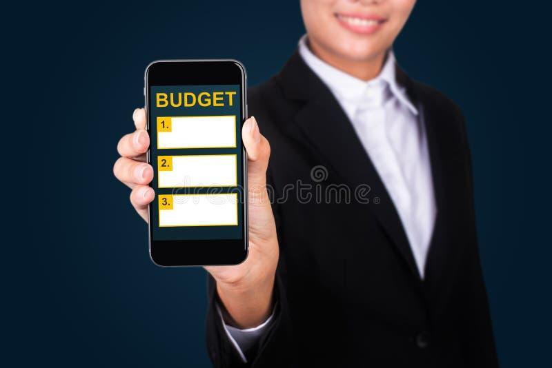 Stanzi il concetto di piallatura, bilancio felice del testo di Show della donna di affari sopra fotografie stock