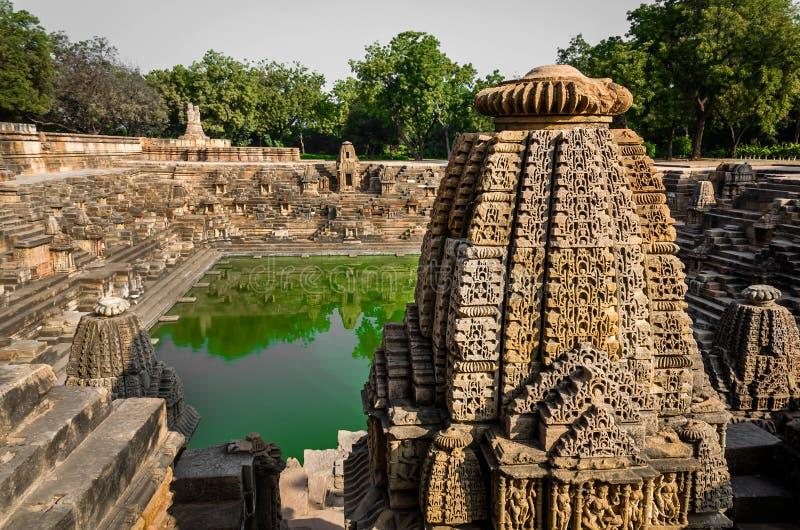 Stap goed - als Suryakund dichtbij Zontempel wordt bekend, Modhera Gujarat dat stock foto's