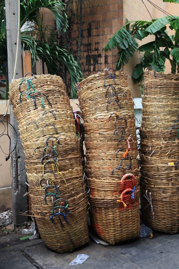 Bambusabfallkörbe stockbilder