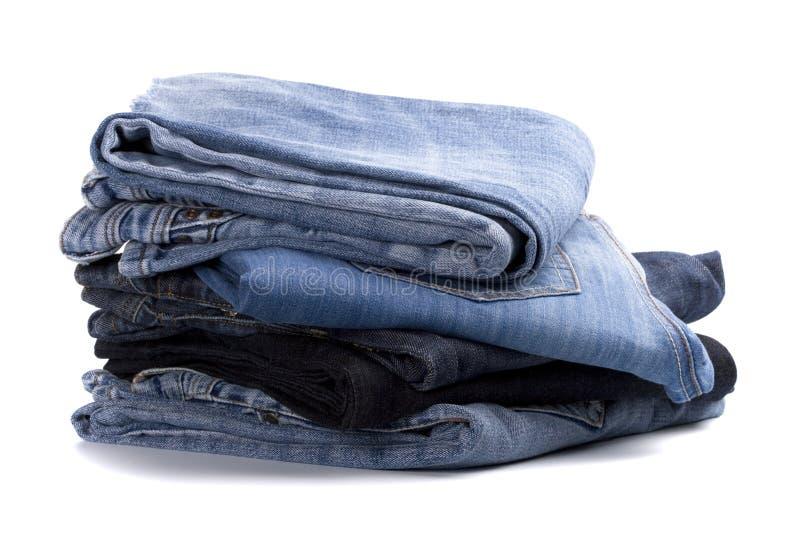 Stapel Blue Jeans lizenzfreie stockfotografie