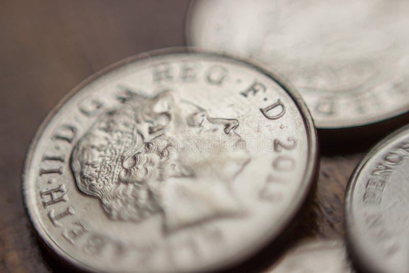 Stapel Britse 10 pence muntstuk royalty-vrije stock foto