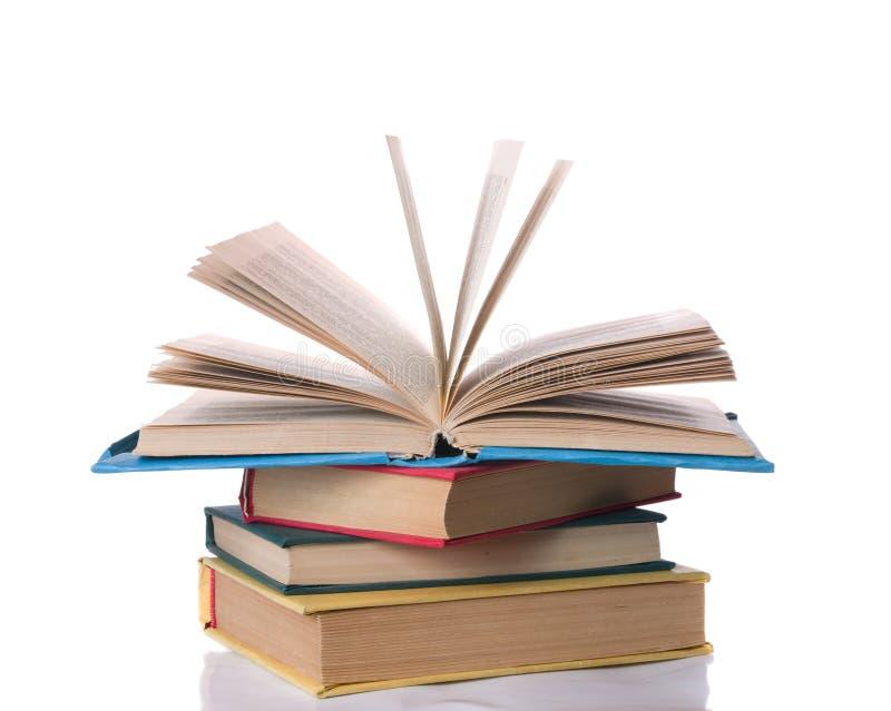 Stapel bunte Bücher lizenzfreies stockbild