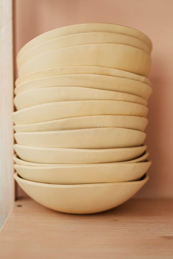 Stapel Ceramische Kommen royalty-vrije stock fotografie