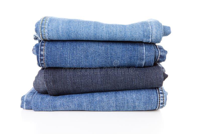 Stapel der Blue Jeans lizenzfreies stockbild
