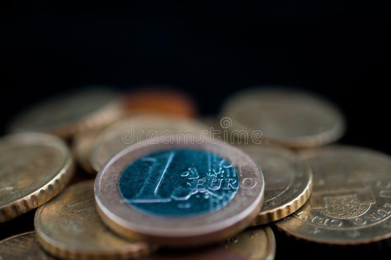 Stapel der Euromünzen lizenzfreie stockfotografie
