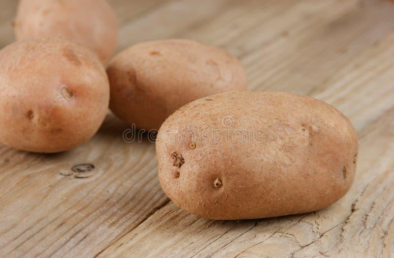 Stapel der Kartoffeln stockbilder