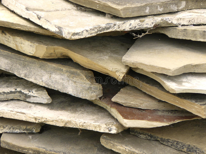 Stapel der Steinplatten stockbild