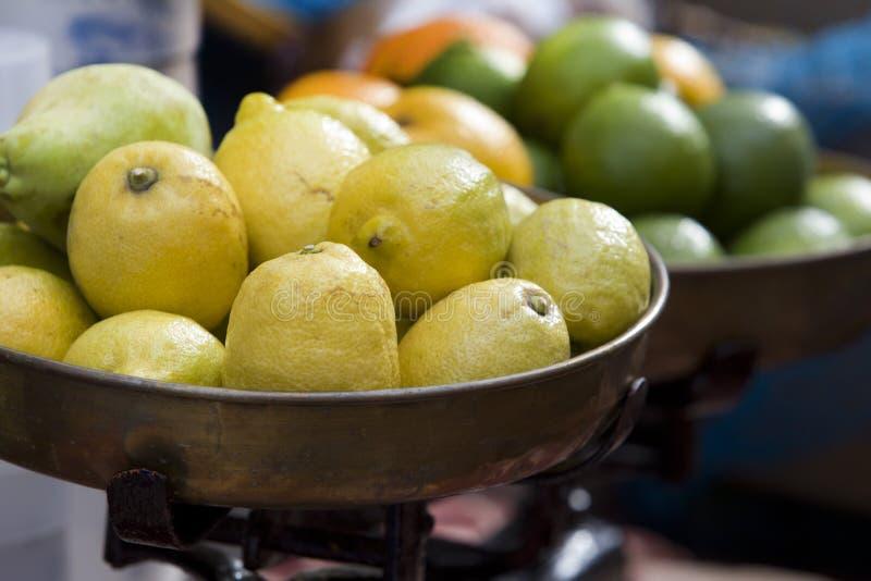 Stapel der Zitronen lizenzfreie stockfotos