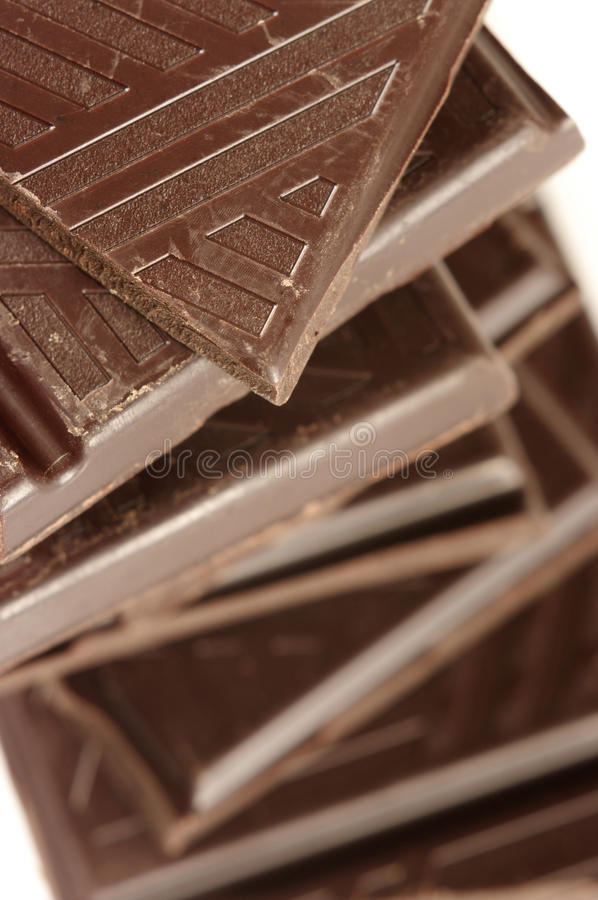 Stapel dunkle Schokolade stockfoto