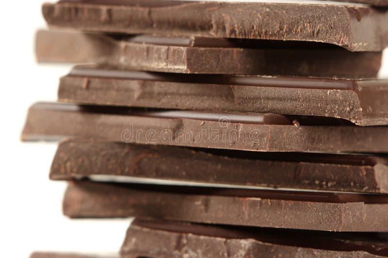 Stapel dunkle Schokolade stockbilder