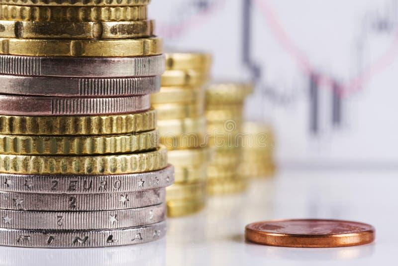 Stapel Euromünzen. lizenzfreie stockfotografie