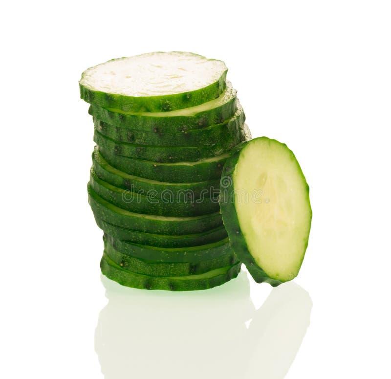 Stapel groene komkommerplakken royalty-vrije stock afbeelding