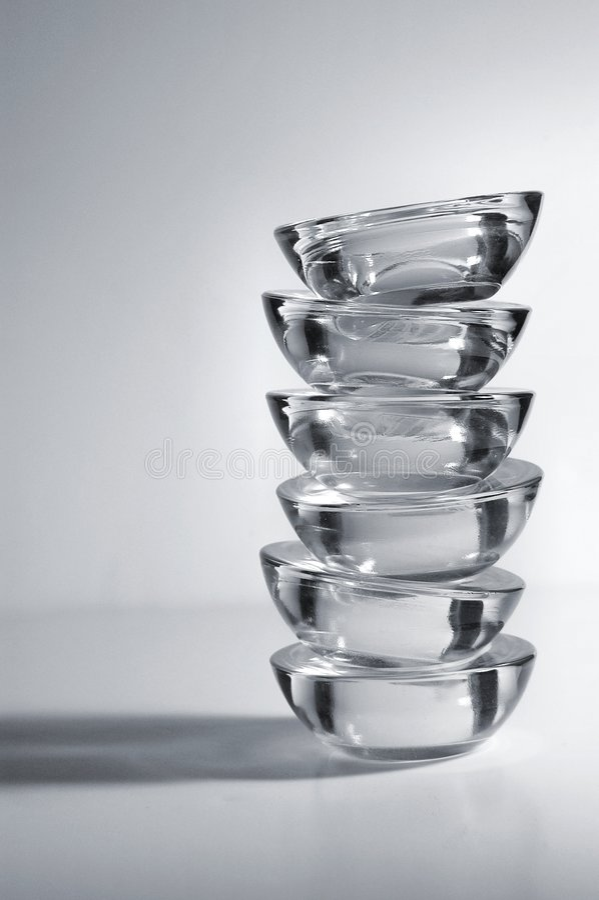 Stapel Kerzenhalter (bw) lizenzfreies stockfoto