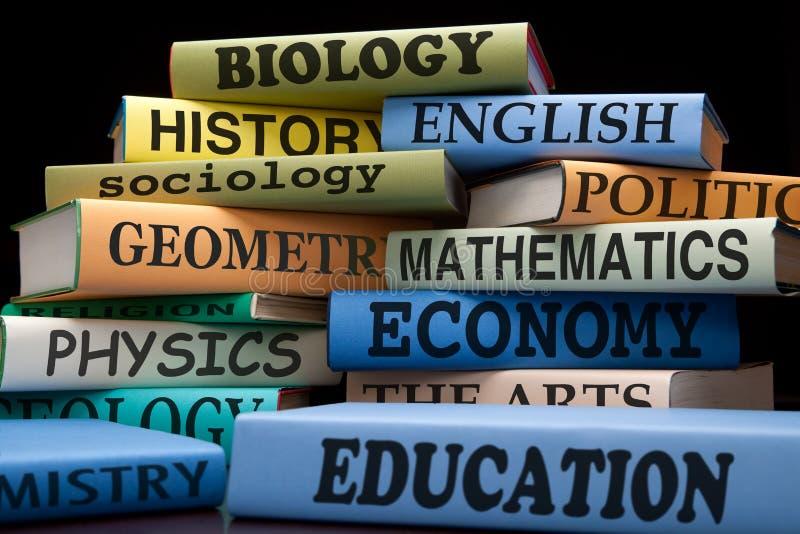 Stapel Lehrbücher lizenzfreies stockbild